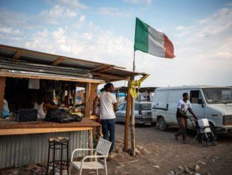 immigrati ghetto decreto sicurezza che lavorano