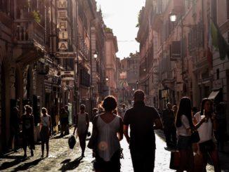 italia paese razzismo turisti discriminazione