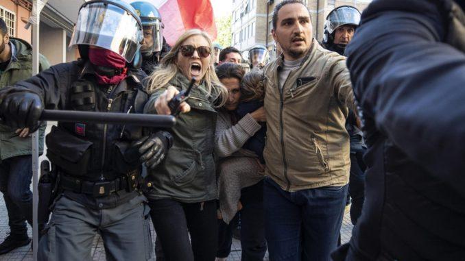 manifestazione nella periferia romana casapound razzismo contro rom